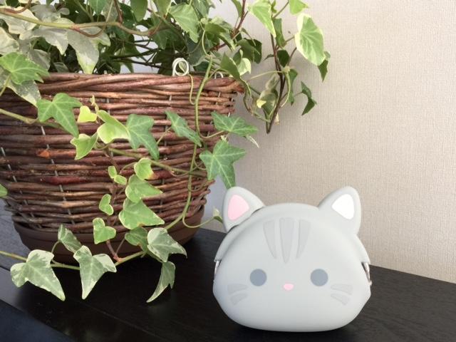 ネコの形のシリコン製ミニポーチ