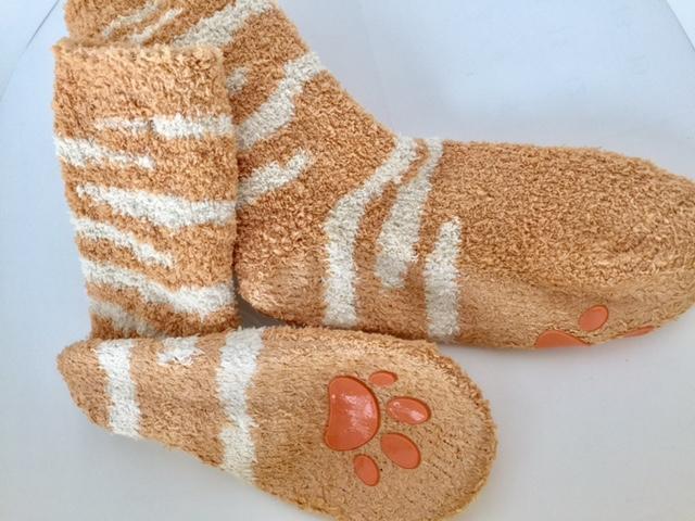冬の湯冷め対策はフェリシモ「猫足もふもふルームソックス」であったかネコ心地