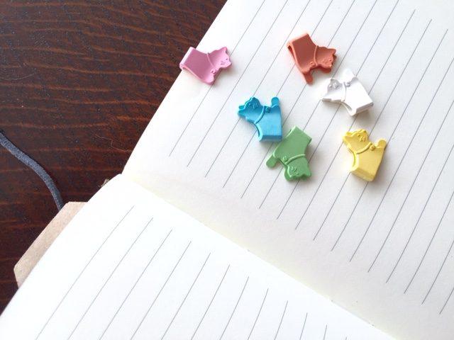 お菓子のようにカラフルなミドリ文具のネコ型ペーパークリップ